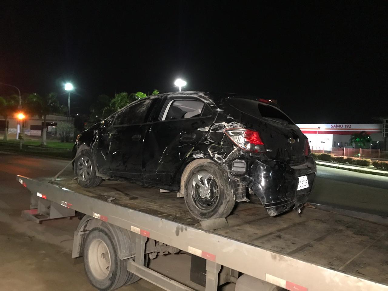 Após furar bloqueio da PRF em Gravatá, motorista capota carro na BR-232