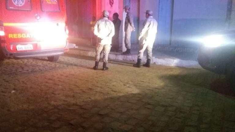 Homem assassinado a facadas em Serra Talhada; crime aconteceu em distrito da cidade - pernambuconoticias.com.br