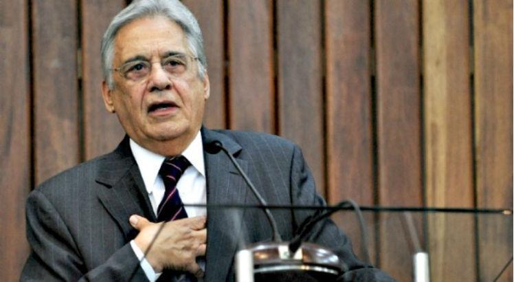 Fernando Henrique diz que Bolsonaro 'está cavando sua fossa'
