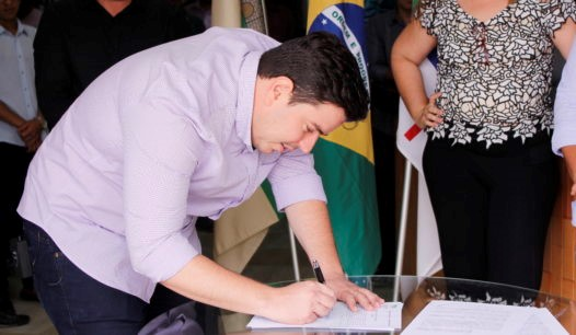Prefeito de Camocim de São Félix determina redução de 70% do seu salário por tempo indeterminado