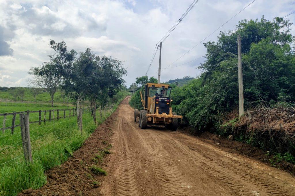 Prefeitura de Gravatá acelera melhorias nas estradas da zona rural