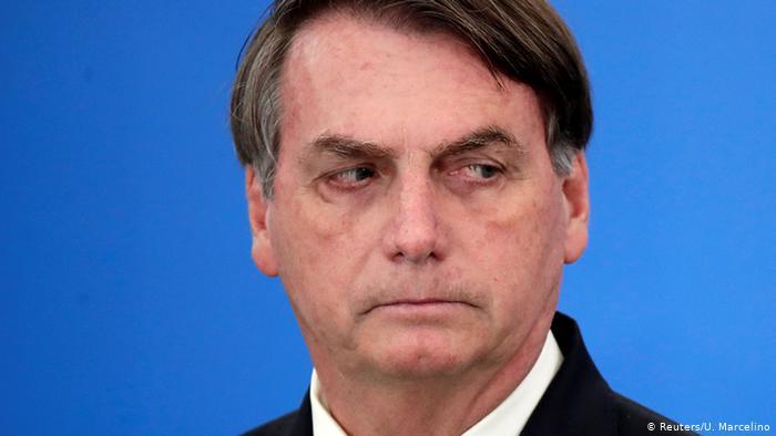 Após pressão nas redes sociais, Bolsonaro cancela churrasco com amigos