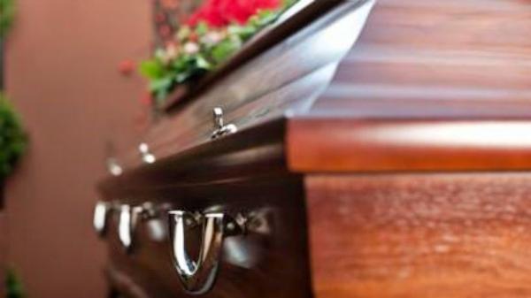 Brasil termina dia com registro de 965 novas mortes de pacientes com COVID-19