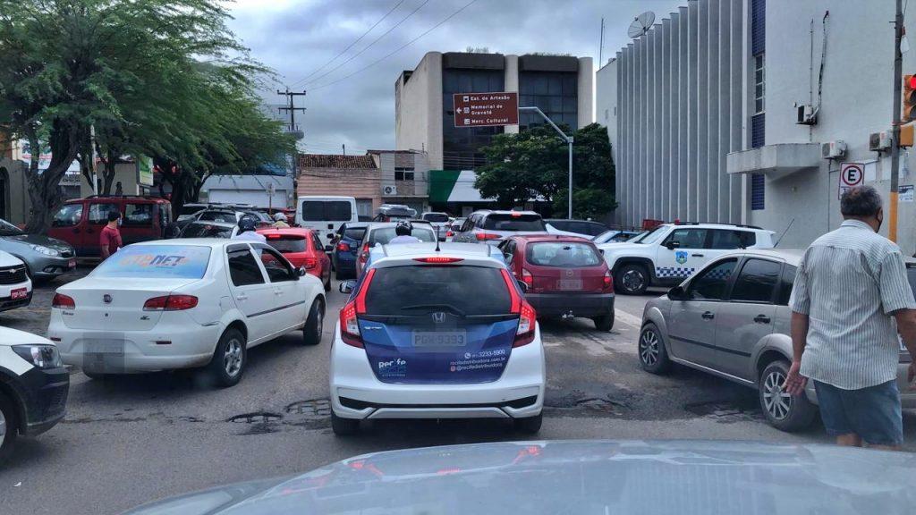 Bagunça: Turistas invadem Gravatá durante quarentena e moradores estão preocupados