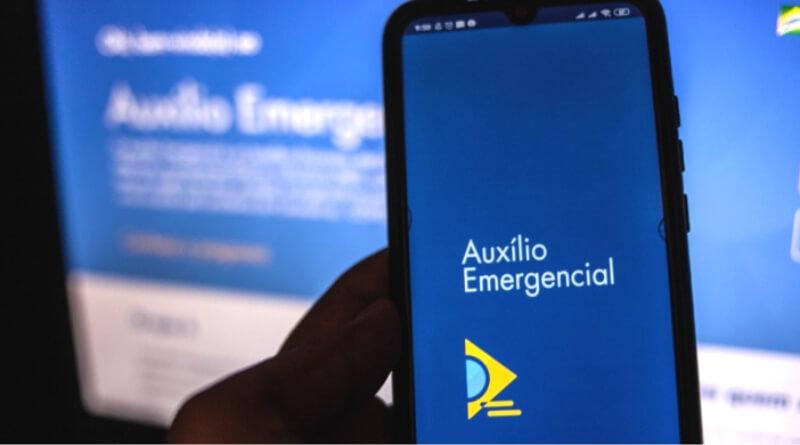 Bolsonaro atribui a trabalhadores falhas no pagamento do auxílio emergencial