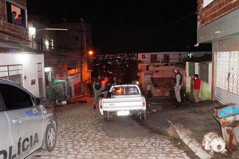 Caruaru: Rapaz perseguido e morto no bairro Santa Rosa