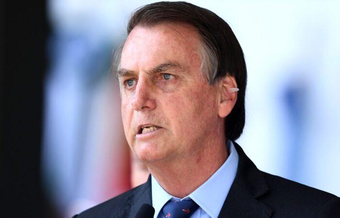Jair Bolsonaro ameaça processar jornalista que fez ligação dele como nazismo