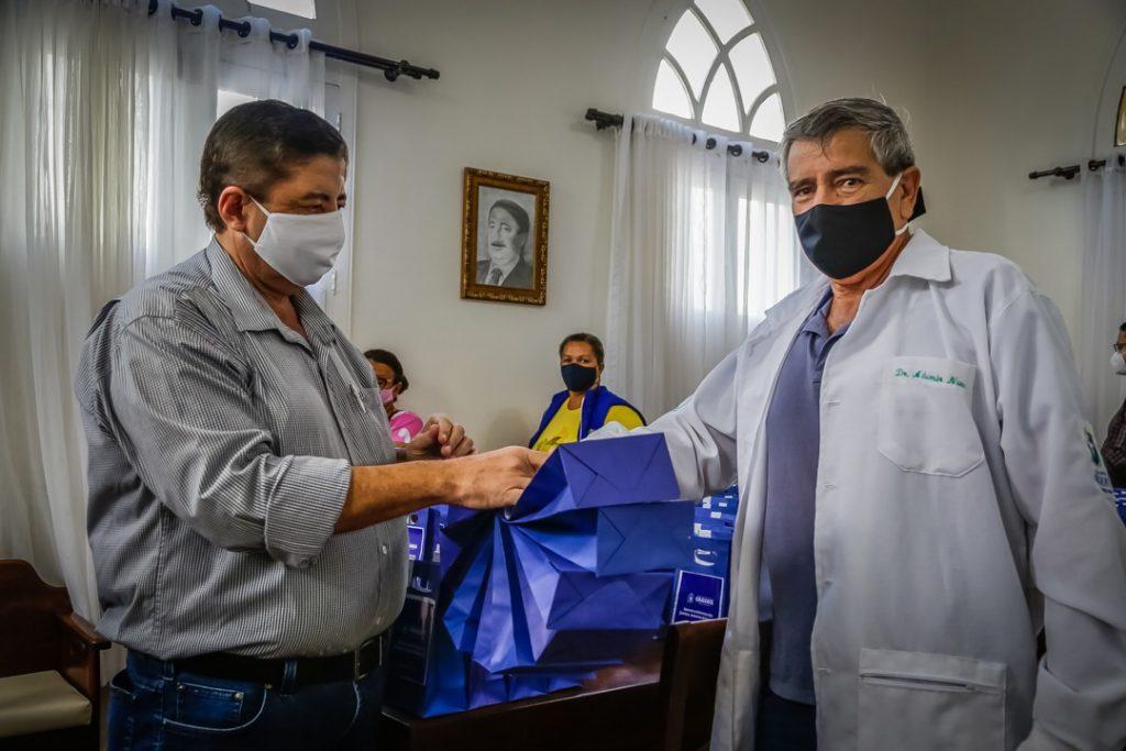 Responsável: unidades de saúde de Gravatá irão distribuir kits de medicamento para pacientes com COVID-19