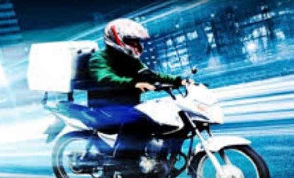 """""""Não há moto-entrega em Gravatá, existe motovelocidade"""", dispara locutor da Clima FM"""