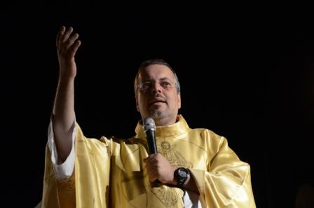 Padre João Paulo dará bênção pela abertura do comércio de Gravatá