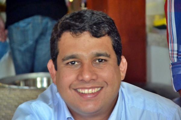 Rafael Prequé apoiará o pai nas eleições e cuidará da família e dos negócios