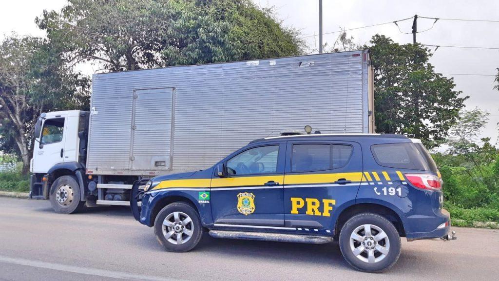 Carga de nove toneladas de margarina sem nota fiscal é apreendida em Garanhuns