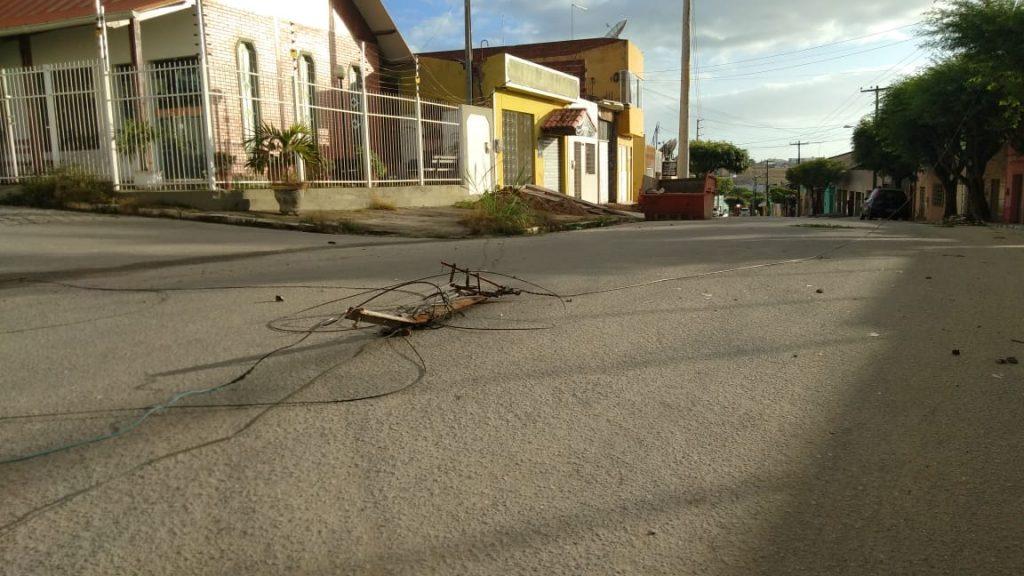 Gravatá: Caminhão derruba fios de alta tensão na Rua 7 de SETEMBRO