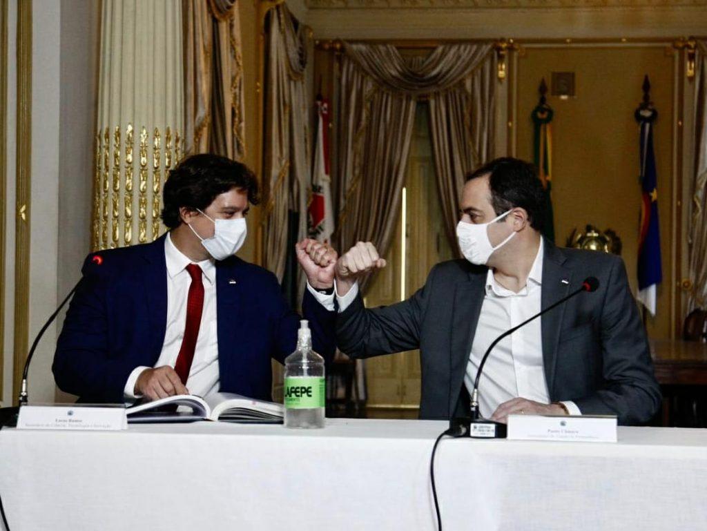 Pela primeira vez em transmissão on-line, Paulo Câmara empossa Lucas Ramos como secretário