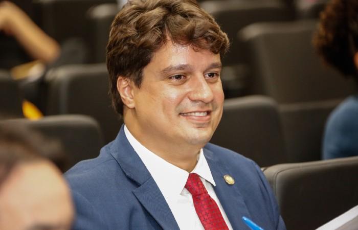 Deputado Lucas Ramos assume secretaria no Governo Estadual