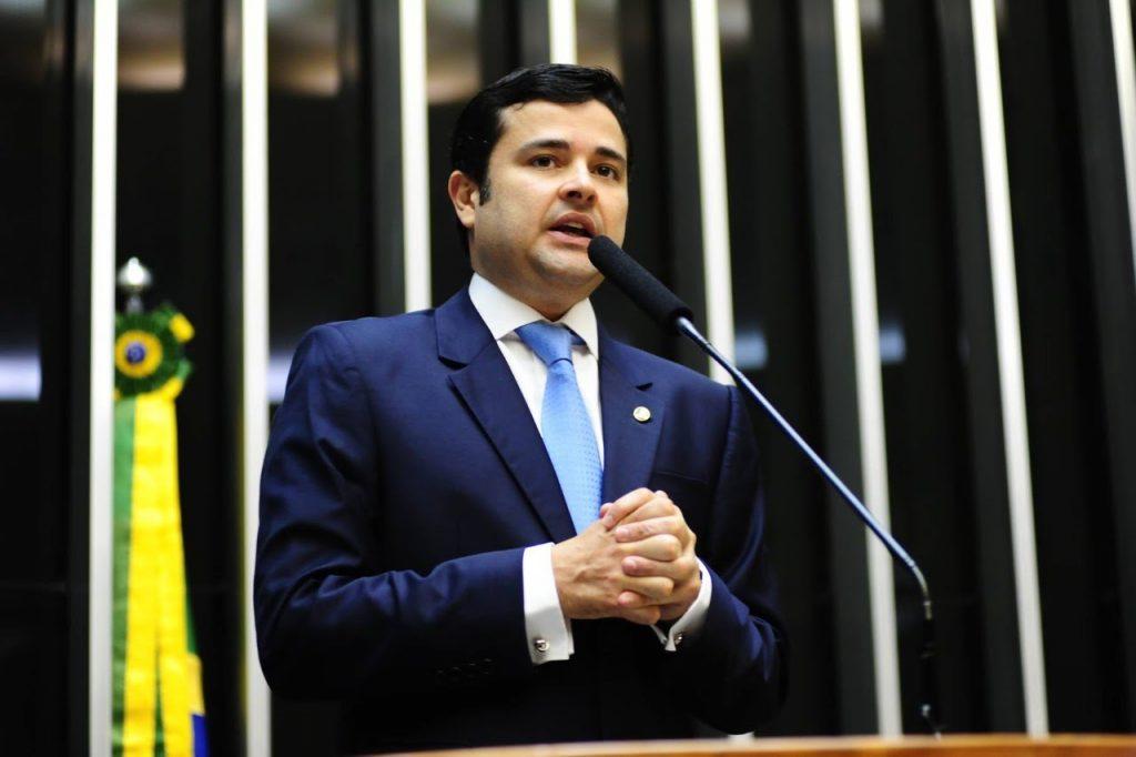 Governador atende solicitação de Eduardo da Fonte e divulga protocolo de segurança para mototaxistas voltarem ao trabalho