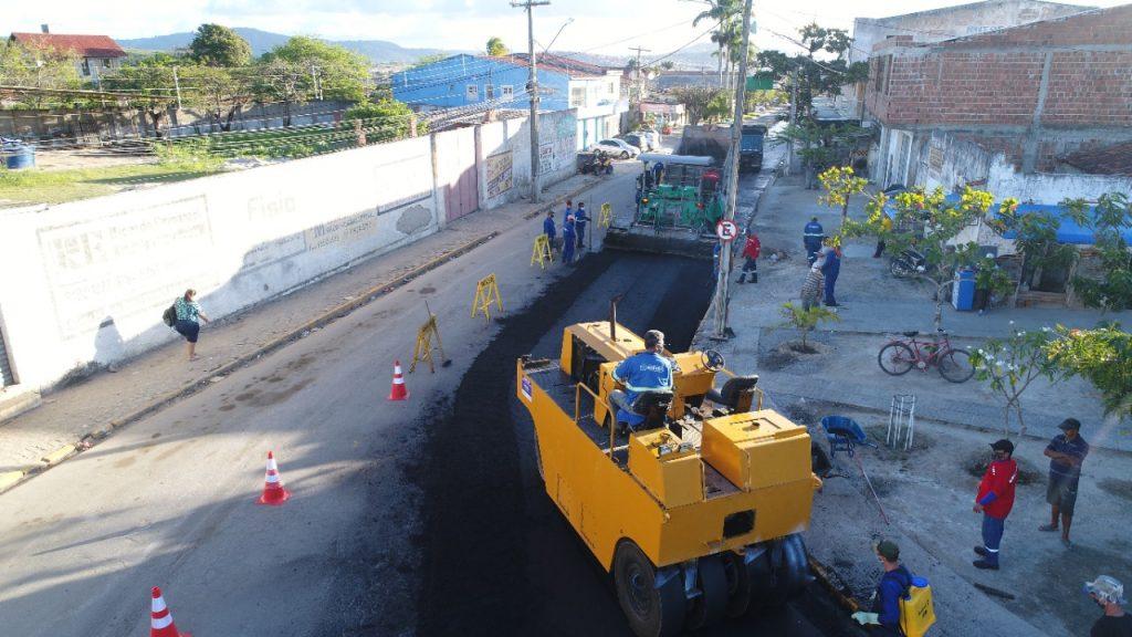 Gravatá avança na infraestrutura e dá início as obras de recapeamento