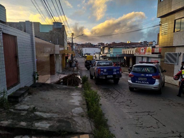 Suspeito morre e outro fica ferido em acidente durante perseguição policial em Caruaru