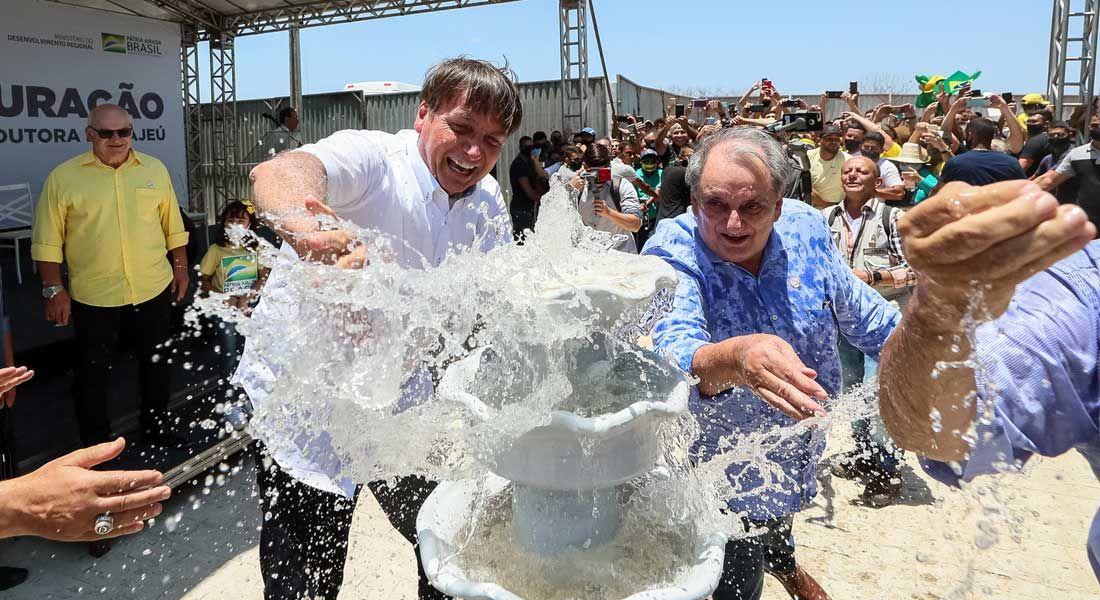 Bolsonaro inaugura em Pernambuco obra que levará mais ao povo sofrido do Sertão