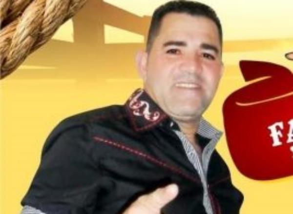 Ex-cantor da Banda Noda de Caju morre em acidente de carro na BR-232, em Sanharó