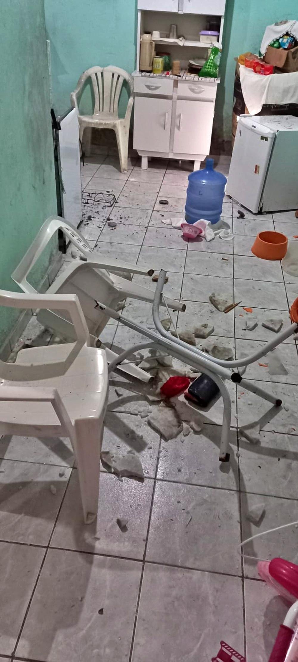 Endiabrado, homem invade casa da ex-mulher, pinta miséria e acaba preso