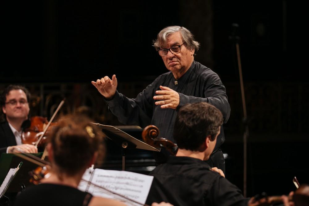 Maestro Rafael Garcia, criador do Virtuosi Gravatá, morre aos 77 anos em Recife